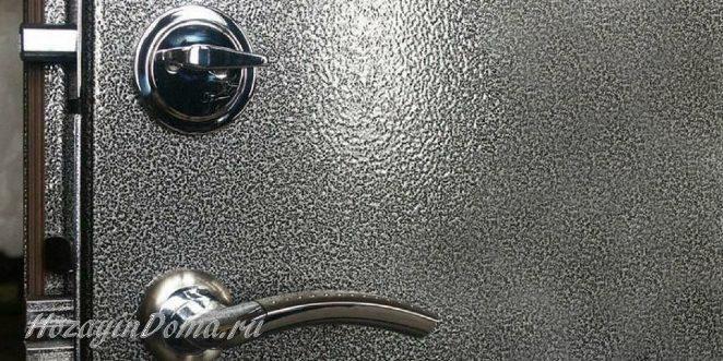окраска металлической двери