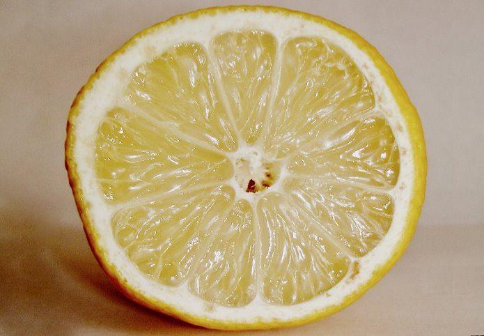 Лимон в разрезе