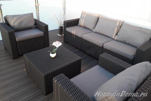комплект мебели из техноротанга серого цвета