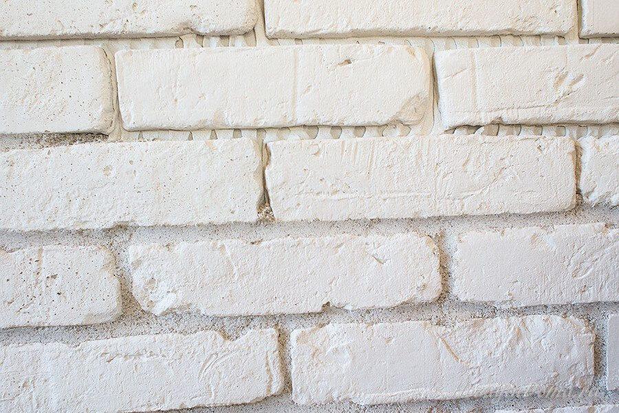 Кирпичные швы на камине