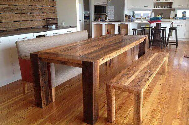 Обеденный стол прямоугольной формы